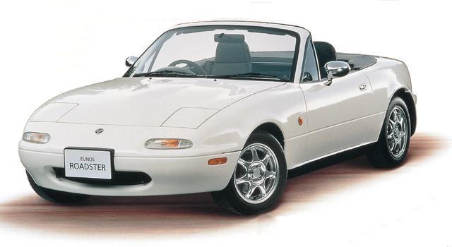 画像: シャストホワイトは既存色の中でも人気の高いボディカラーとしてSRリミテッドに採用。