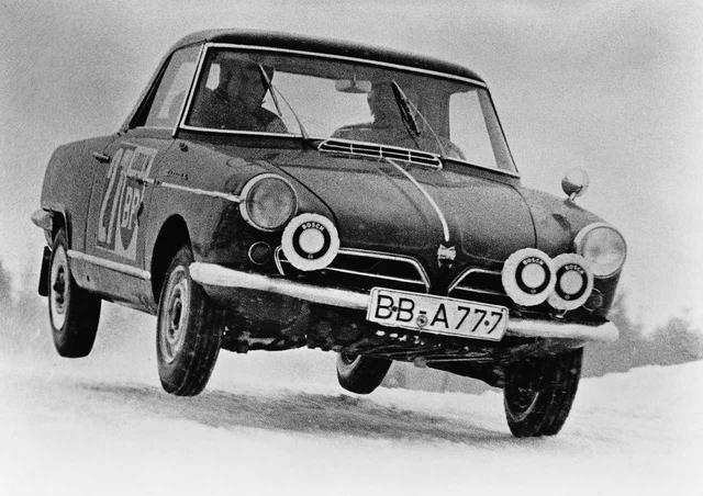 画像: 1964年、本家であるNSUはヴァンゲル・スパイダーを発表。これが世界初のロータリーエンジン搭載市販乗用車となる。2375台が販売された。