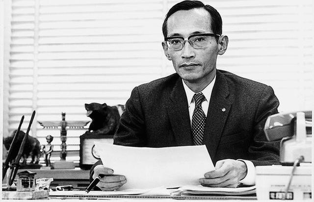 画像: RE研究部長としてロータリーエンジンの実用化を果たした山本健一さん。