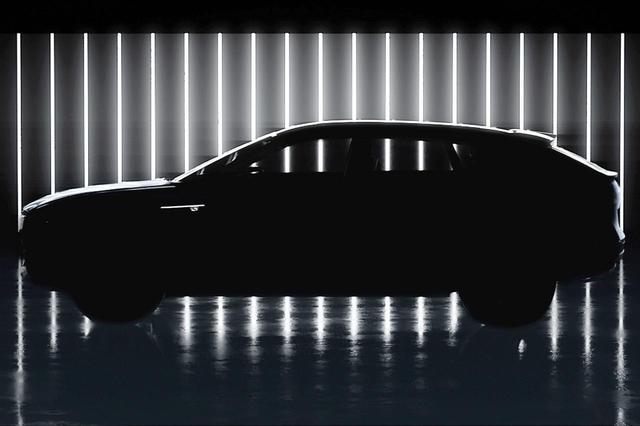 画像: キャデラックが2020年4月に発表予定だという「リリック」のティザー画像。次世代EVプラットフォームを採用したモデルだという。