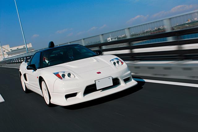 画像: GT500マシンを彷彿とさせるボディキットを装着。ノーマル比で全長は+180mm、全幅は+90mm。