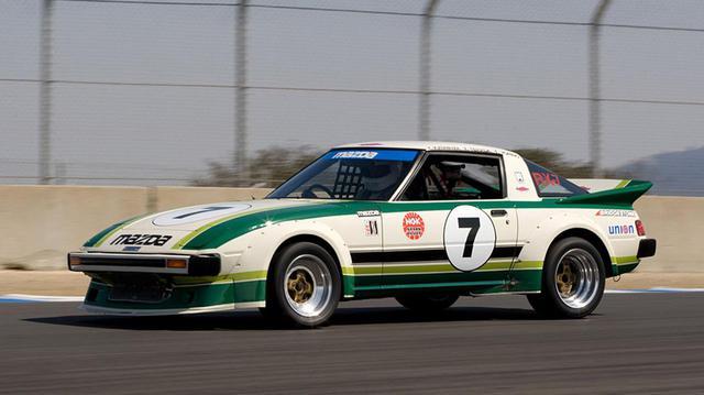 画像: 1979年のデイトナ24時間レースでサバンナRX-7はIMSA GTUクラス1位、2位の座を占めた。写真は2016年9月に開催されたJCCS(ジャパンクラシックカーショー)での同型車のひとコマ。