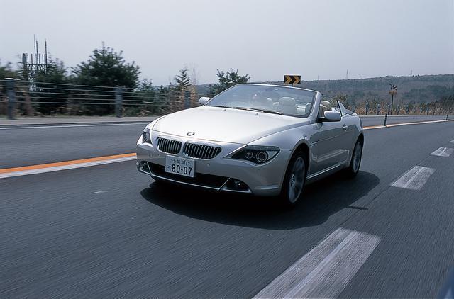 画像: 2005年に登場したBMW 650iカブリオレ。BMWの中でも特別に贅沢な1台。