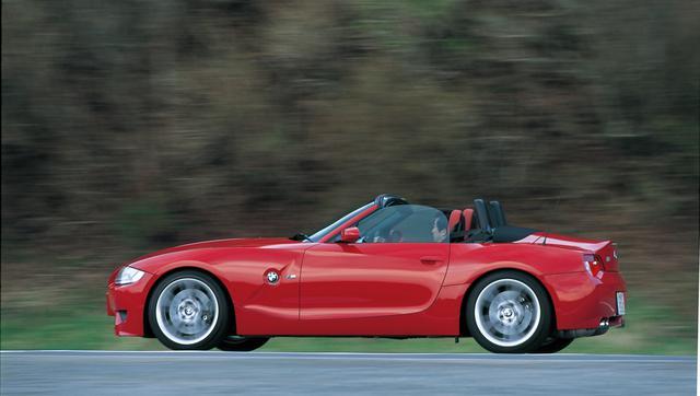 画像: 新たに追加設定されたZ4 Mロードスター。M3のパワーユニットを搭載したスポーツモデル。見た目はさりげないが、その走りにはただならぬ迫力がある。