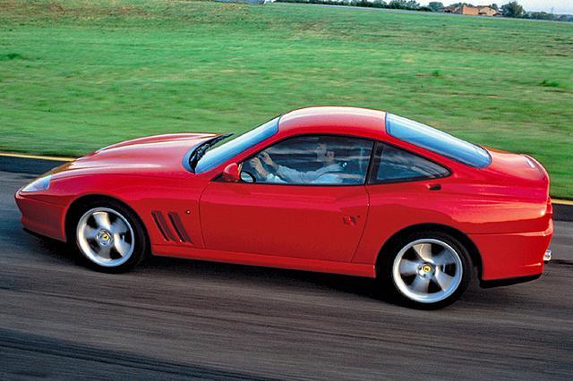 画像: 市販車の世界速度記録を樹立し、テストコースではF512Mより速いラップタイムで走ることができた。