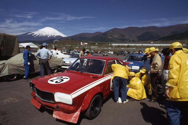 画像: 1972年になると主役はスカイラインGT-Rからロータリー勢に移っていた。写真は日本グランプリTS-bクラスで2位となった従野孝司のサバンナRX-3。