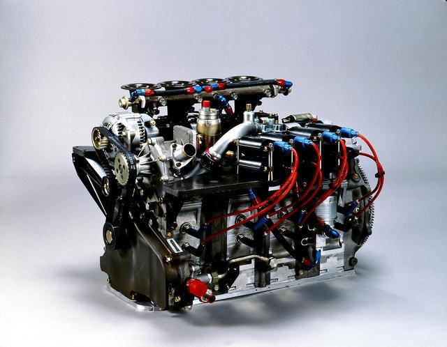 画像: 1988年に投入された13J型ロータリーエンジンは、4ローターエンジン開発の指令により作られた。13J改型(写真)は89年のル・マンで使用したもの。可変吸気システムの採用で約630psを発生した。