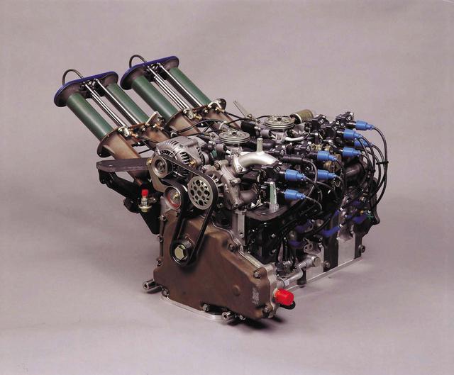 画像: 1990年のル・マンは車両規定により「ロータリー最後の年」となるはずだった。必勝を期して作られた4ローターのR26B型。13J改をベースに最高出力700psを発生。燃費も目標値を達成した。