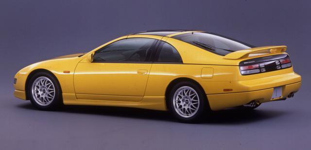 画像: 平成10年(1998年)に追加された「バージョンR」。専用形状のバンパーやリアスポイラー、レカロシートや専用ステアリングなどで商品力アップをはかった。
