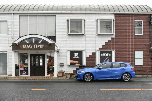 画像: 目的地になった房総半島の海沿いのカフェに無事に到着。ランチ後は都内に向けてドライブを楽しんだ。