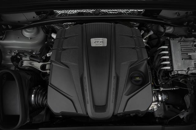 画像: 搭載エンジンは2.9L V6ツインターボエンジン。従来モデルより最高出力が20ps、最大トルクが20Nm向上している。