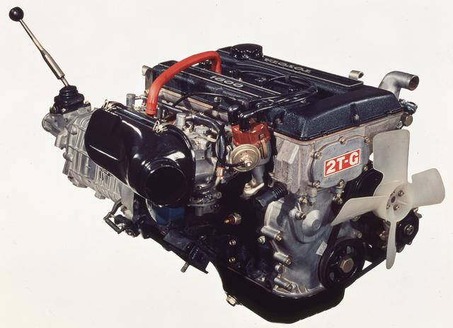 画像: DOHCの普及を意図して開発された2T-Gエンジン(初期型)。コストを抑える工夫が随所に見られた。