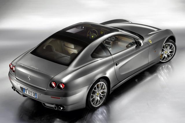 画像: 格調高いフェラーリのグランツーリスモらしいデザインを継承している。写真はエレクトロミックルーフ装着車。