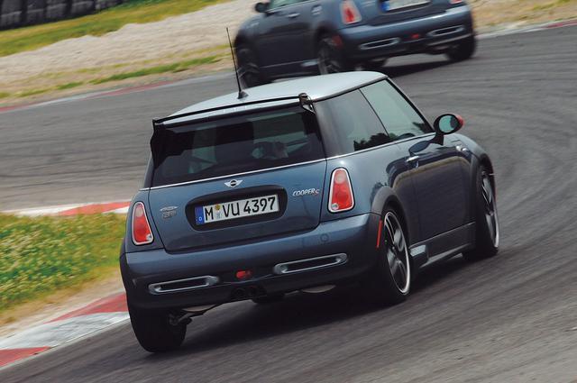 画像: 試乗はイタリア・ボローニャ近郊のアドリア・インターナショナル・レースウェイを中心に、近くの一般道を使って行われた。