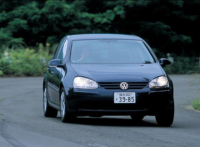 画像: 合理的なFF2ボックススタイルのゴルフ。日本上陸は2003年8月。1.6LのE、2LのGLi /GTに加え、2LターボのGTI/GTX、3.2L 4WDのR32をラインアップ。
