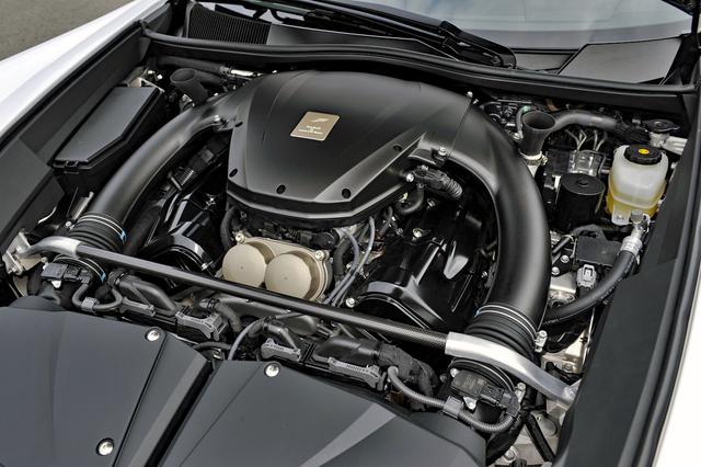 画像: フロントミッドシップ搭載された4.8LのV10 DOHC「1LR-GUE型」はLFAのために開発された。