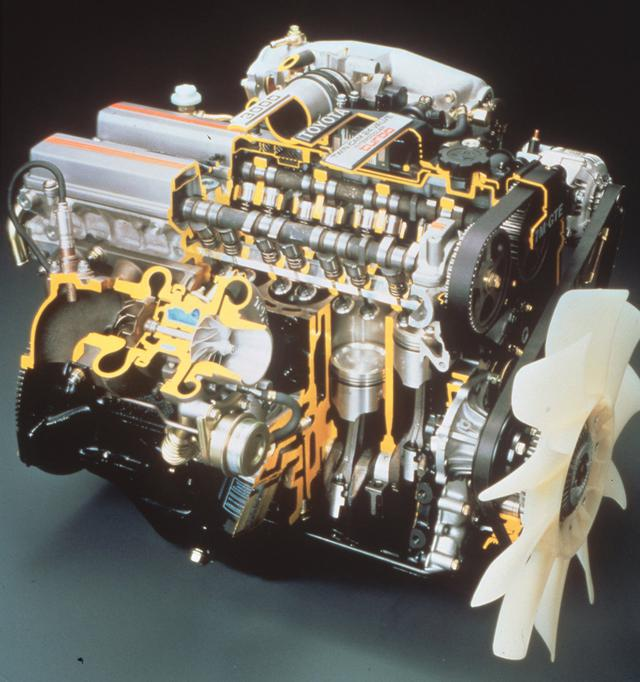 画像: 土台は古いが、それを最新のテクノロジーでカバーしたの7M-GTEUだ。ようやく吸気2、排気2の4バルブとなったほか、燃焼室は従来の多球型からコンパクトなペントルーフ型に変更されている。バルブ挟角は50度。