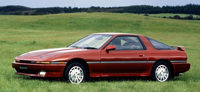 画像: 車名をセリカXXから輸出名と同じくスープラに改めて登場。「トヨタ3000GT」というキャッチフレーズは、もちろん往年のトヨタ2000GTへのオマージュである。