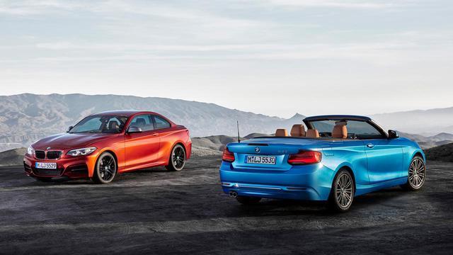 画像: BMW 2シリーズのクーペとカブリオレ。ベースとなるモデルは同じでも、運転することの楽しさはまったく別のところにある。