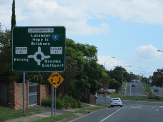 オーストラリアのラウンド アバウト。日本と同じ左側通行なのでわかりやすい。