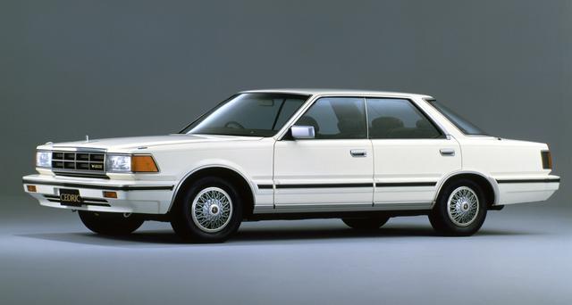 画像: 国産初のV6を搭載したのは日本を代表する高級車セドリック/グロリア。3LのVG30Eは1.4tを超えるボディを軽々と走らせた(写真はセドリック4ドアハードトップV30Eブロアム)。