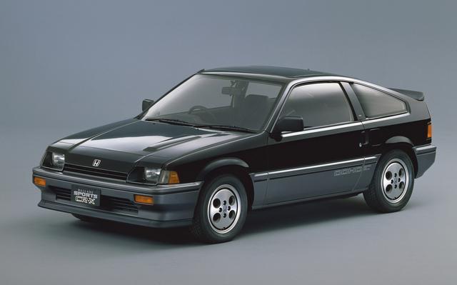 画像: シビックと同時に発売されたバラードスポーツCR-X Si。ボンネットに設けられたバルジがZCエンジン搭載車の証しだ。