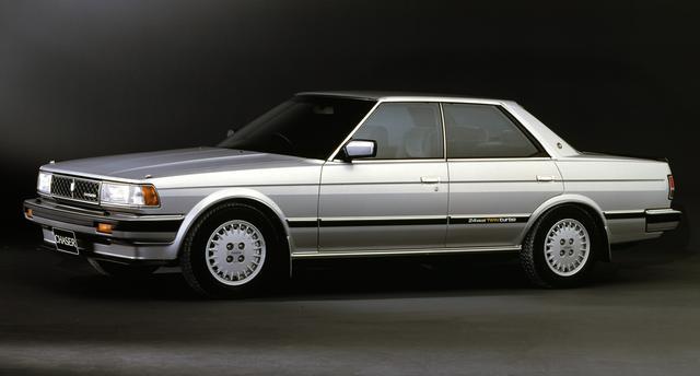 画像: 1G-GTEU型は、1985年10月にマイナーチェンジしたGX7系のマークII/クレスタ/チェイサー(写真)から搭載が始まった。