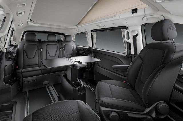 画像: 運転席と助手席を回転さることで、対面式のレイアウトにすることもできる。