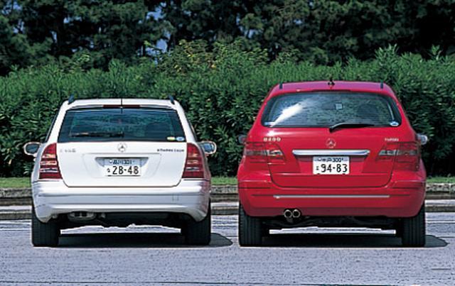 画像: 味わい、外観は明らかに異なるが、意外と共通点も多い。この2台の価格差は36万7500円。