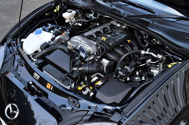 画像: 2018年の改良で大幅改良された直4 2Lエンジン。最高出力は158psから184psまで高められた。