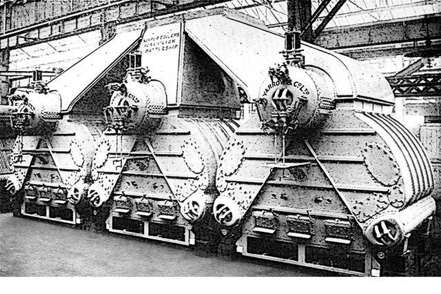 画像: 「加賀」と同型のヤーロー式/国産化名・ロ号艦本式ボイラー。ここで発生させた蒸気でタービンを回す、蒸気タービンエンジン。ボイラー8缶:タービン4基で4軸推進。旧海軍の主力艦の大半はこのユニットの数が違うだけ。