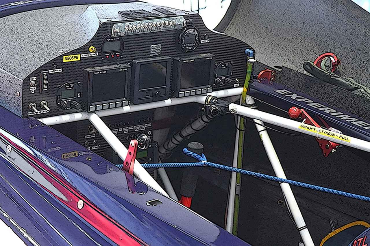 Images : 8番目の画像 - モンスターマシン 017 エアレースの機体 - Webモーターマガジン