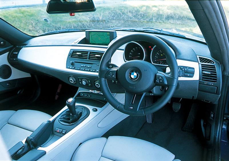 Images : 20番目の画像 - BMW 335i クーぺ、130i Mスポーツ、Z4 Mクーペ - LAWRENCE - Motorcycle x Cars + α = Your Life.