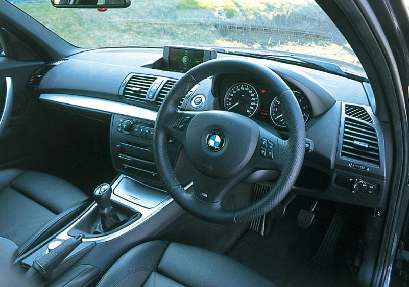 Images : 12番目の画像 - BMW 335i クーぺ、130i Mスポーツ、Z4 Mクーペ - LAWRENCE - Motorcycle x Cars + α = Your Life.