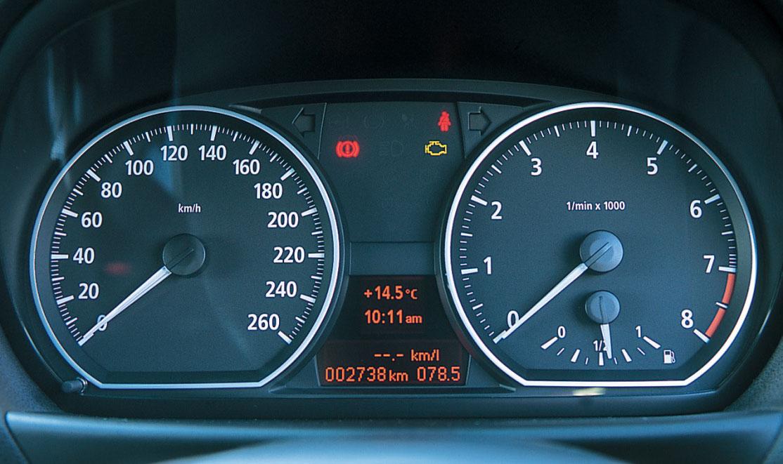 Images : 13番目の画像 - BMW 335i クーぺ、130i Mスポーツ、Z4 Mクーペ - LAWRENCE - Motorcycle x Cars + α = Your Life.