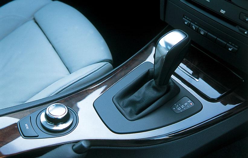 Images : 6番目の画像 - BMW 335i クーぺ、130i Mスポーツ、Z4 Mクーペ - LAWRENCE - Motorcycle x Cars + α = Your Life.