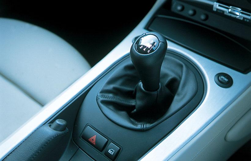 Images : 22番目の画像 - BMW 335i クーぺ、130i Mスポーツ、Z4 Mクーペ - LAWRENCE - Motorcycle x Cars + α = Your Life.