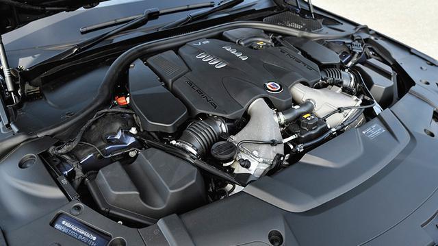 画像: V8ツインターボエンジンのターボチャージャーにはタービン径が54mm(従来は50mm)のタイプを装備。