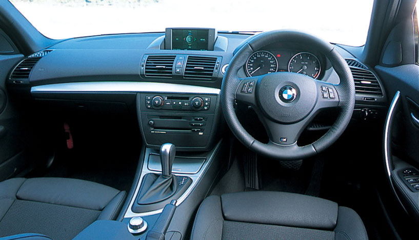 Images : 11番目の画像 - BMW 1シリーズ 116i、118i、120i - LAWRENCE - Motorcycle x Cars + α = Your Life.
