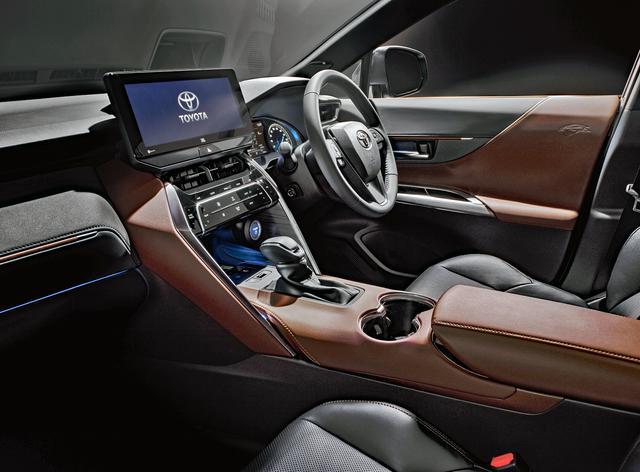 画像: ハリアー Z「レザーパッケージ」(ハイブリッド・2WD)。内装色は、ブラウン。