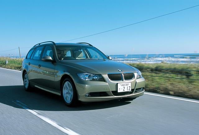 画像: 2005年10月に発表/発売されたE90型3シリーズツーリング。写真は2006年5月に追加された320iツーリング。