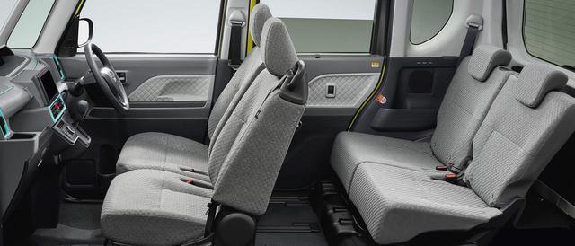 画像: ダイハツタントの車内空間の広さは折り紙つき。Xスペシャルは、運転席の540mmロングスライドや助手席の380mmロングスライドシートをそのまま採用する。