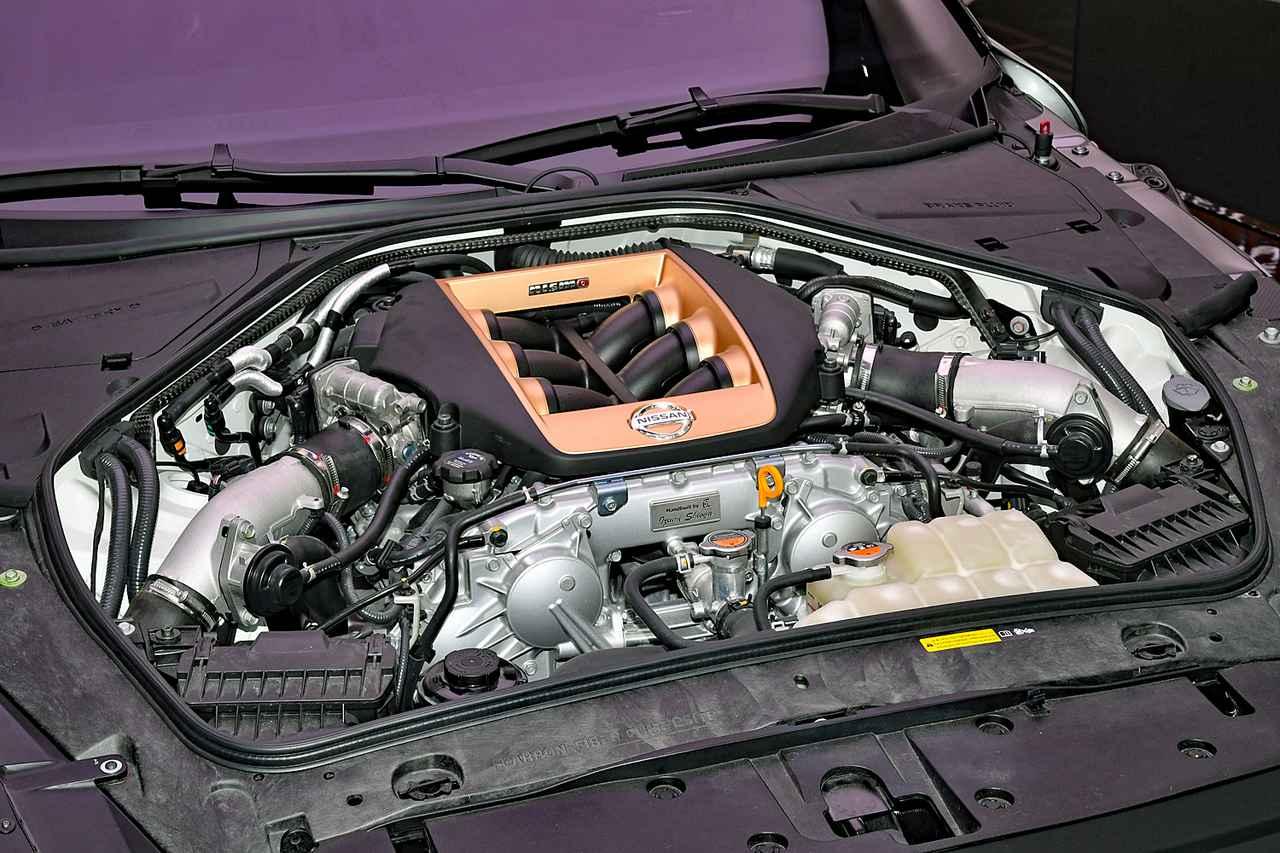 画像: プロトタイプのエンジン。3.8LのV6ツインターボは、最高出力720ps/最大トルク780Nmにまでパワーアップされている。