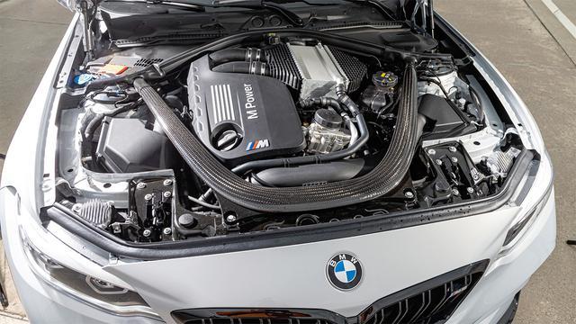 画像: M2コンペティションより最高出力を40ps向上(450ps)させた3L直6ツインターボエンジンを搭載する。