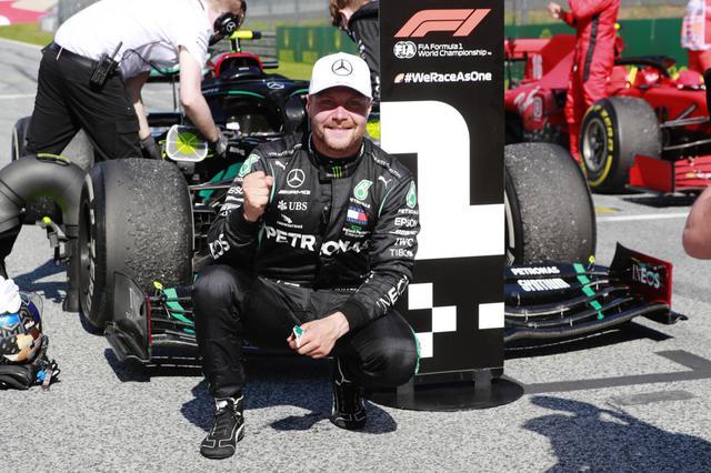 画像: 優勝したメルセデスAMGのバルテリ・ボッタス。まずは選手権をリードする立場となった。オーストリアで連続開催となる今種末で連勝を狙う。