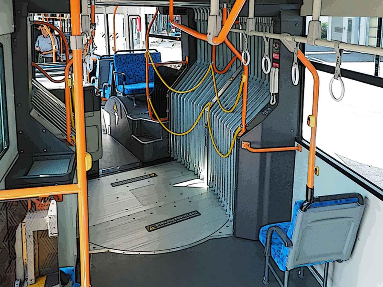 Images : 2番目の画像 - モンスターマシン 024 連節バス - Webモーターマガジン