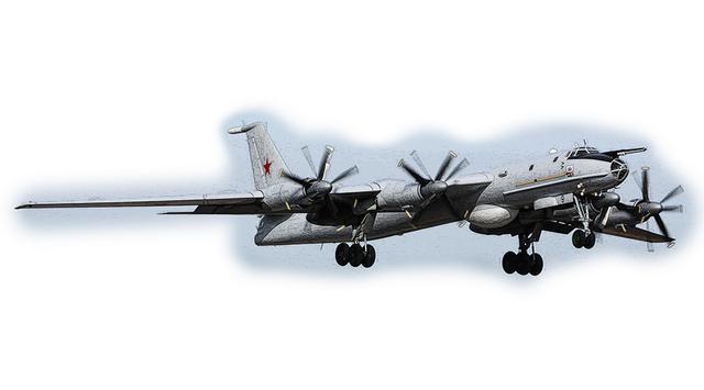 画像: 「プロペラ機ならなんでもあり」ということなら、最速は旧ソ連が開発したツポレフ Tu-95爆撃機になる。ジェットエンジンを使ったターボプロップ方式で、大きな二重反転プロペラを回して高々度を950km/hで飛行する。