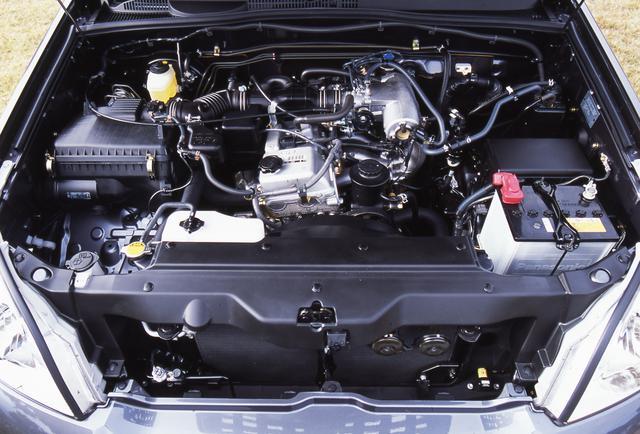 画像: 俊敏な走りを実現した2.7L 直4エンジンの最高出力は150ps/4800rpm、最大トルクは235Nm/4000rpmを発生。