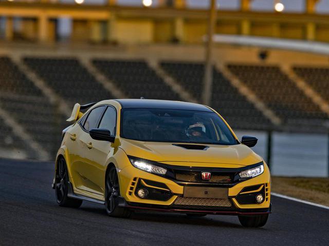 画像: 鈴鹿サーキット国際レーシングコースおける市販FFモデル最速となる2分23秒993のラップタイムを記録したシビック タイプR リミテッドエディション。