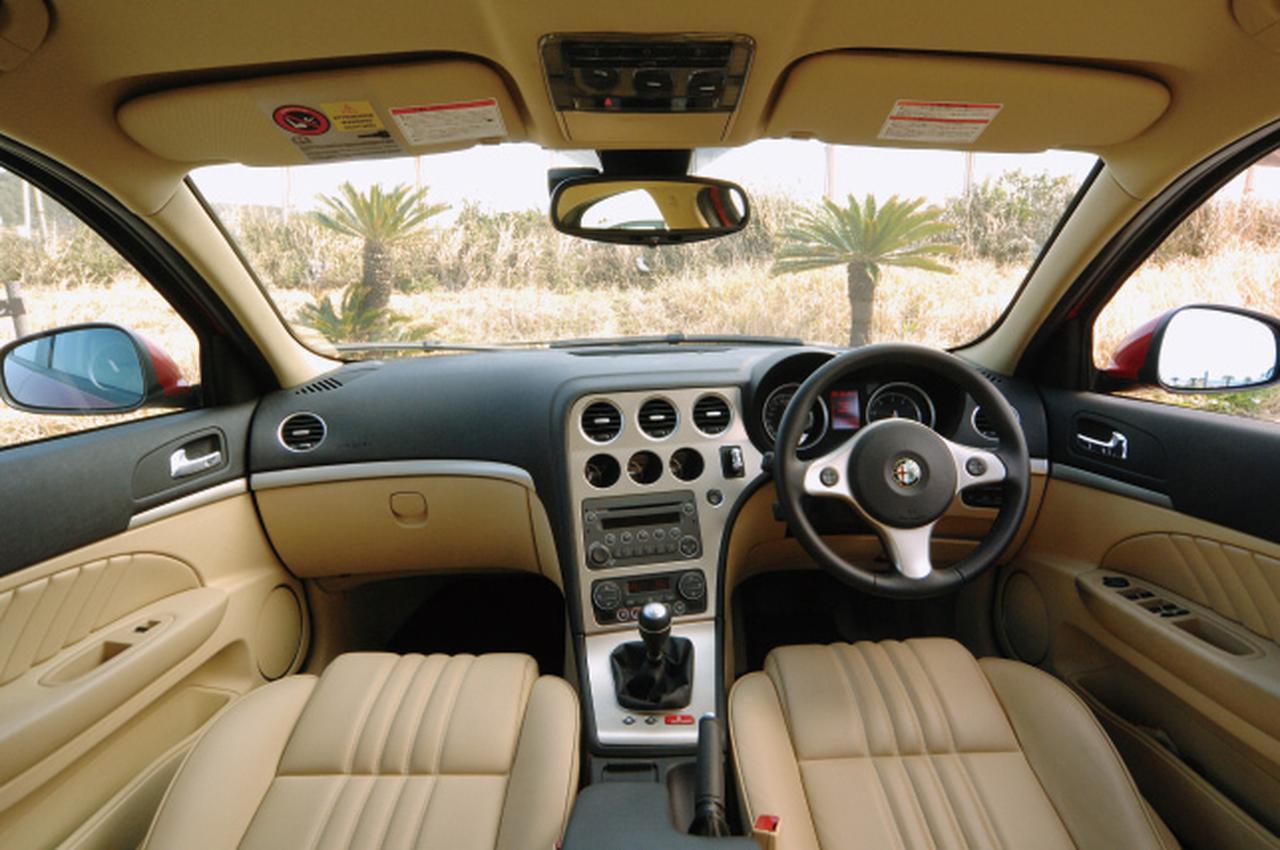 Images : 10番目の画像 - Cクラスのライバル_BMW3シリーズ、アウディA4、アルファ159 - LAWRENCE - Motorcycle x Cars + α = Your Life.
